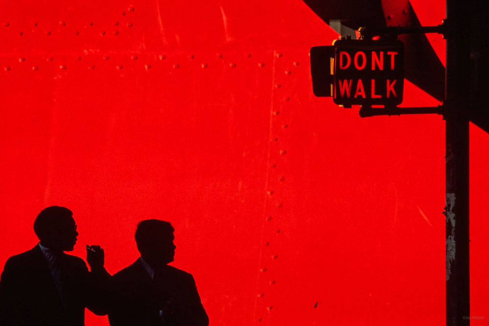 'Don't Walk, Red' (1981) photography by Jay Maisel