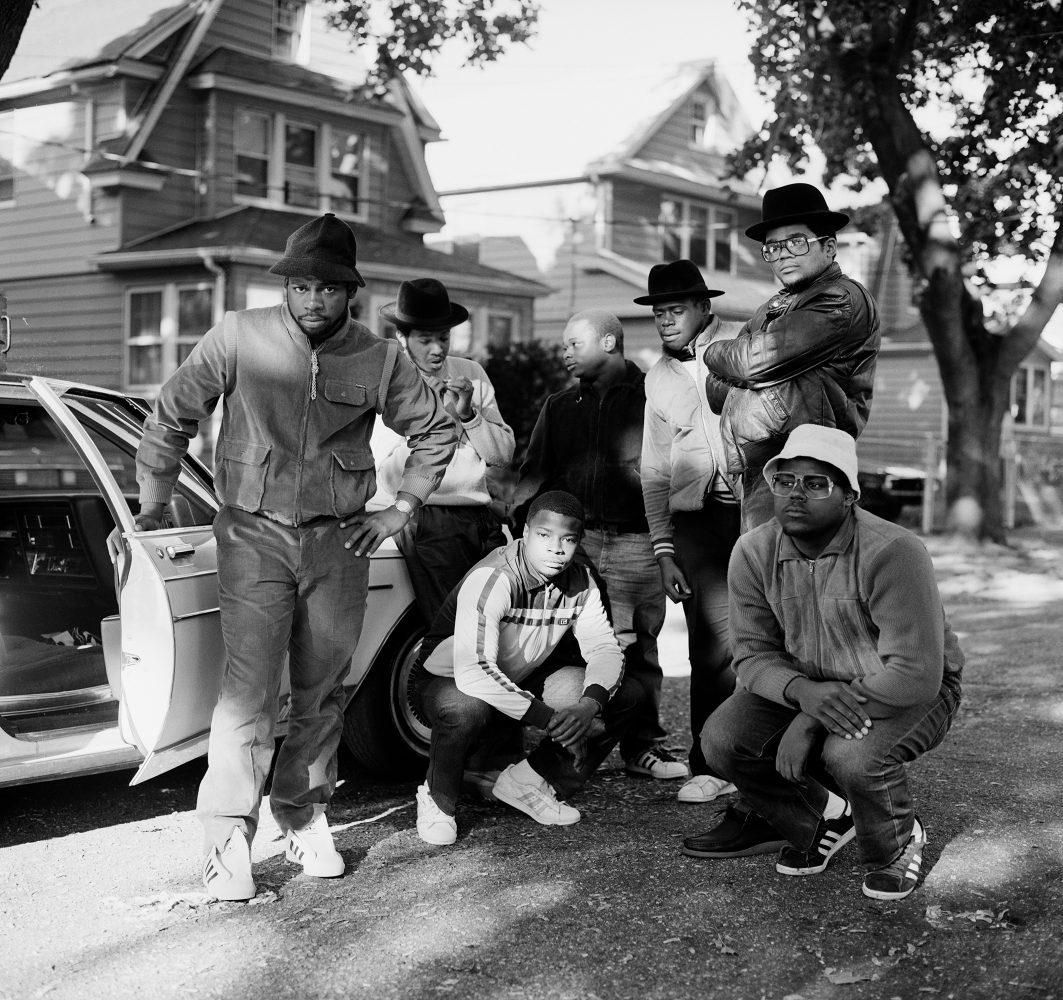 © Janette Beckman, RUN DMC & Posse, Hollis, Queens, 1984